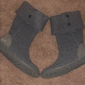 Uggs knit material size 8.5